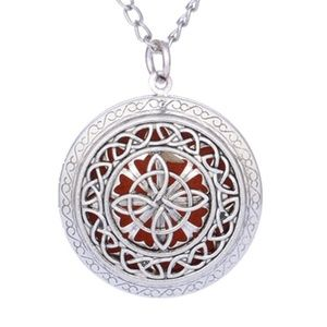 Necklace - Aroma Diffuser Clover
